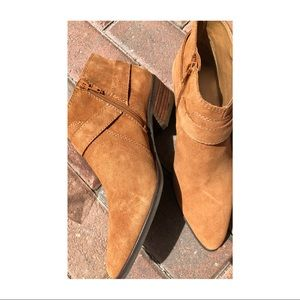 Lucky Brand NWT oiled suede booties, 8